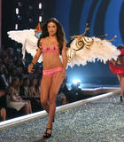 th_06803_fashiongallery_VSShow08_Show-080_122_155lo.jpg