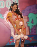 th_07749_fashiongallery_VSShow08_Show-185_122_4lo.jpg